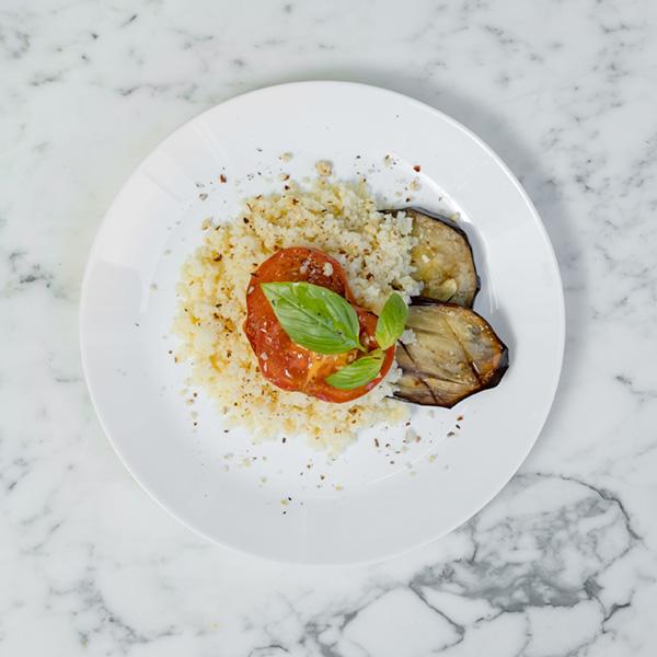 • Cous cous • Melanzane • Pomodoro • Parmigiano • Basilico • Mandorle
